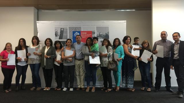 Familias de Machalí Plaza recibieron las escrituras de sus viviendas