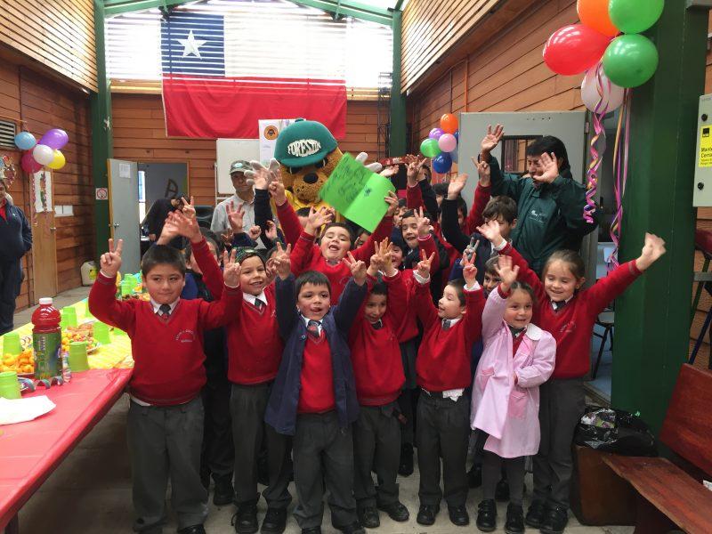 Niños de Chacayes celebran los 41 años de Forestín
