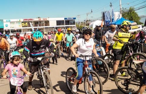 Cientos de ciclistas dieron vida a la tercera Cicletada Familiar del Primer Domingo del Mes