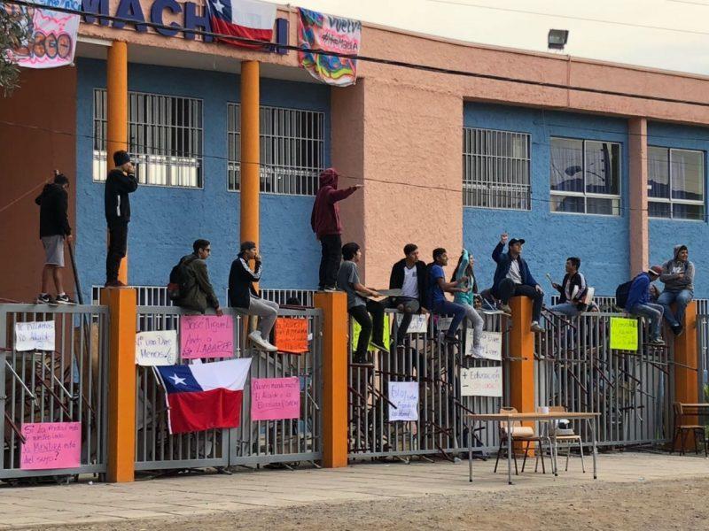 Conflicto en el Liceo de Machalí llegaría hasta la Comisión de Educación de la Cámara