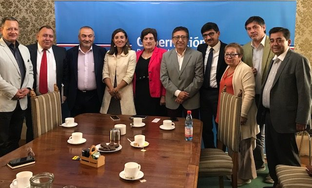 Gobernadora Ivonne Mangelsdorff Galeb, se reúne con Alcaldes de la Provincia de Cachapoal