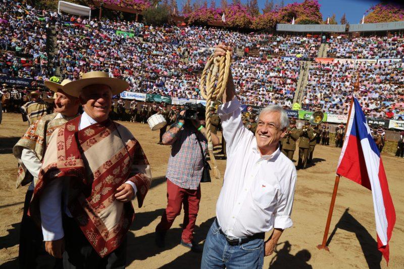 Una gran ovación recibió Presidente Sebastián Piñera en la Medialuna de Rancagua