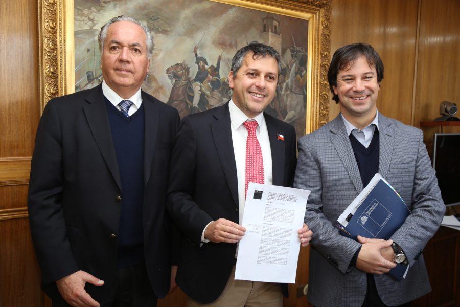 """Carretera El Cobre es declarada como """"camino público"""" y autoridades comprometen inicio de obras para fines de 2019"""