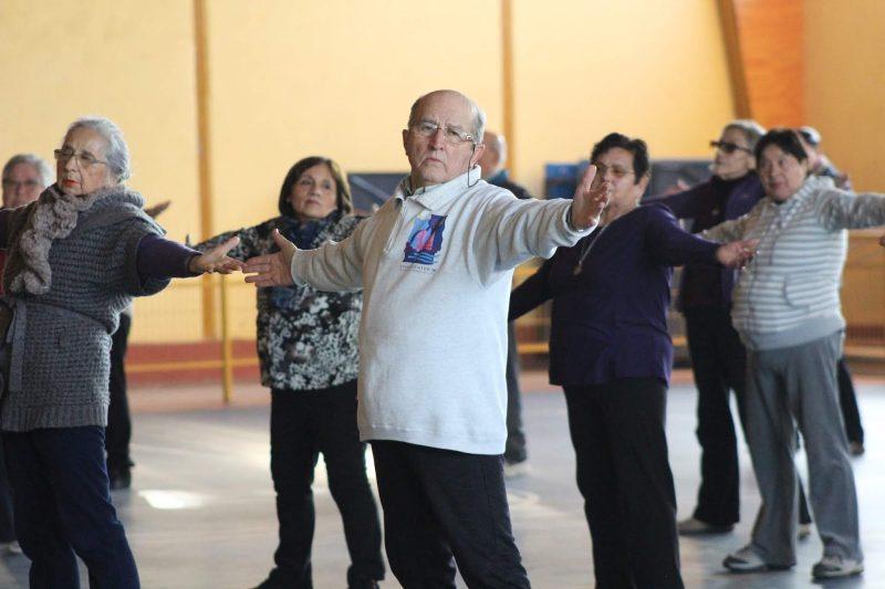 Salud Machalí fomenta la actividad física en los adultos mayores por medio de innovador taller