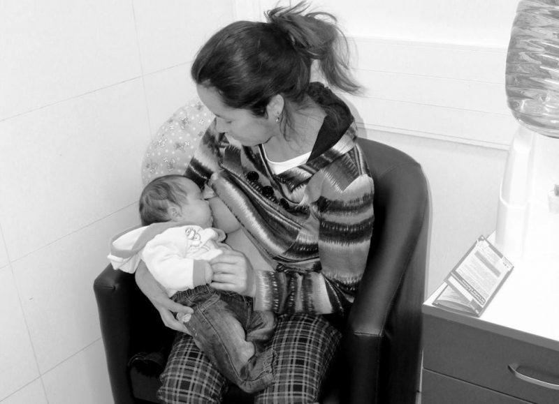 """Salud Machalí promueve la lactancia materna con sesión fotográfica """"Elige Amamantar"""""""