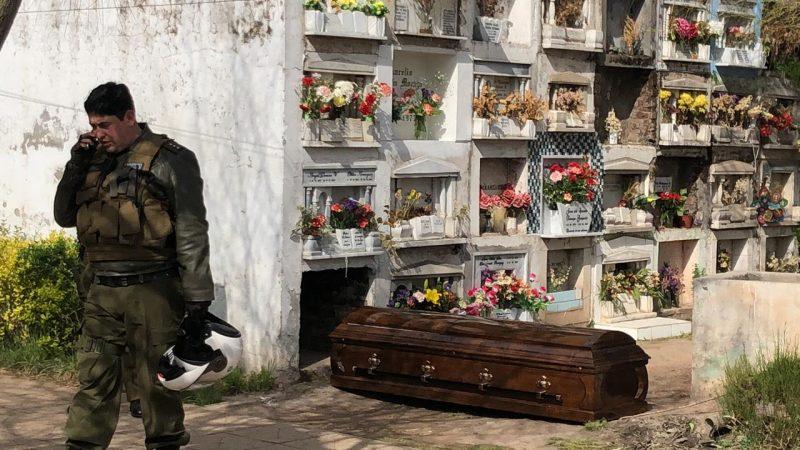Encuentran ataúd con cuerpo en su interior en el Cementerio Parroquial