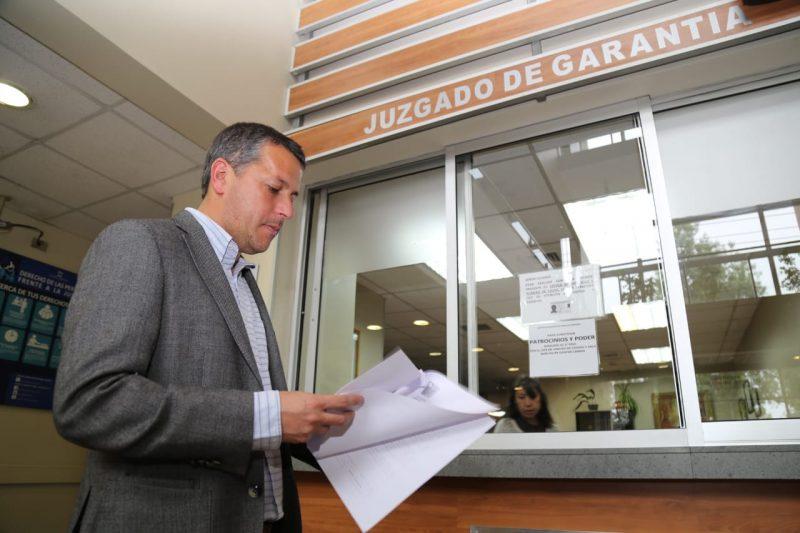 """Intendente Masferrer interpuso querella contra  barristas albos que causaron incidentes en """"hotelazo"""""""