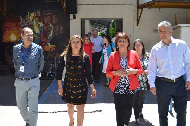 Seremi de Educación da a conocer convenio de infraestructura en Escuela Carmen Gallegos de San Vicente