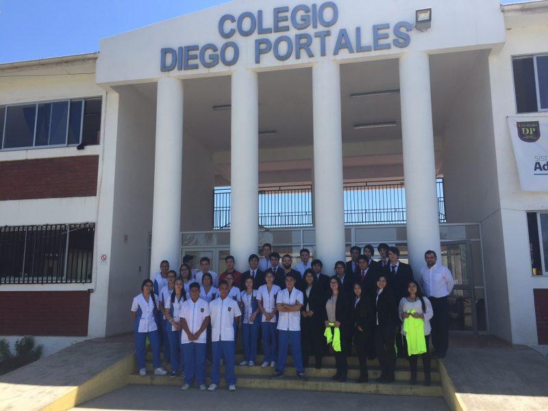 Seremi de Bienes Nacionales dicta charla de Educación Cívica a alumnos machalinos