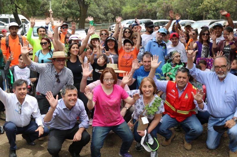 Intendente Masferrer inauguró sendero inclusivo en la Reserva Nacional Río de Los Cipreses.
