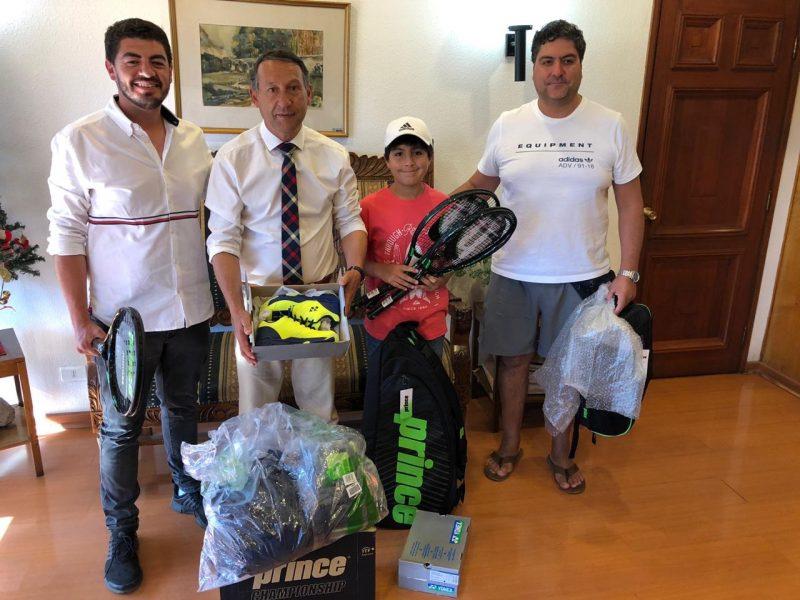 Deportista machalino recibe apoyo con recursos del Gobierno Regional