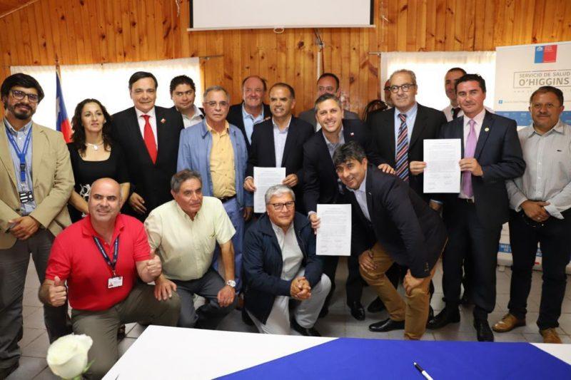 Pichilemu: Intendente Masferrer y Subsecretario Castillo firman compromiso de compra de terreno del nuevo Hospital de Pichilemu