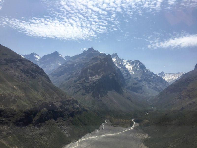 DGA O'Higgins sobrevuela Cordillera Machalina en busca de áreas para instalar futuras estaciones nivales