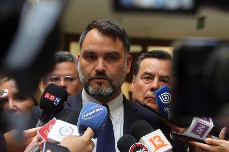 Diputado Macaya valora aprobación de ley que penaliza saqueos, barricadas y actos que alteran la paz pública
