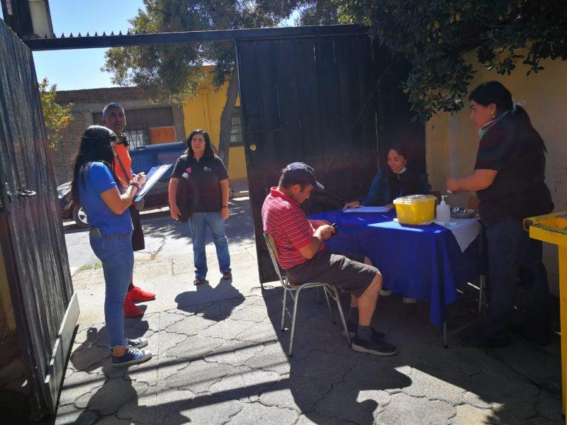 Vacunan contra la influenza a personas en situación de calle que participan de residencias para la superación