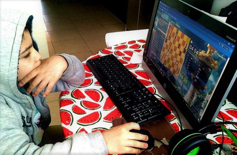El Ajedrez también se puede jugar y  disfrutar de forma virtual
